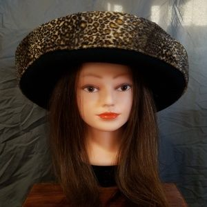 Beautiful Stylish VTG Wide Brim Hat a617e76a47fc